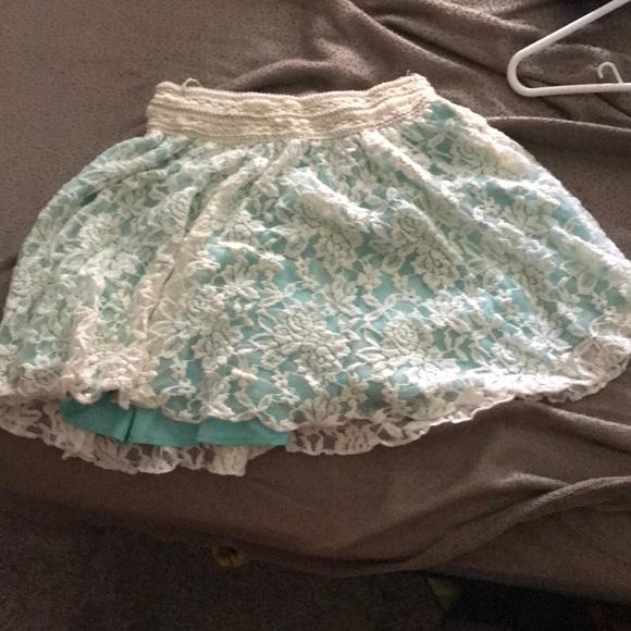 julie's closet Dresses & Skirts - Lace skirt